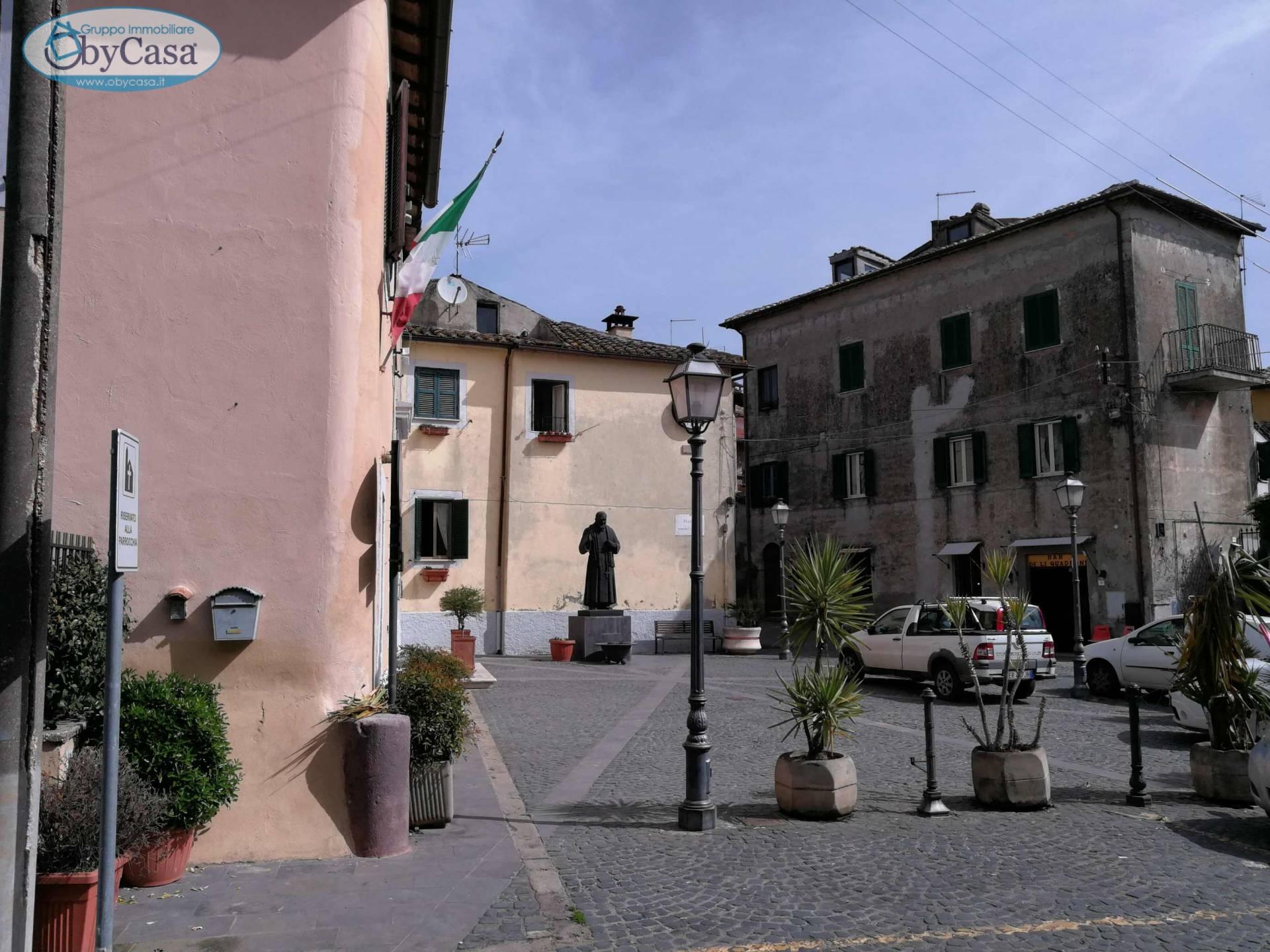Bilocale Manziana Piazza Valentini 2