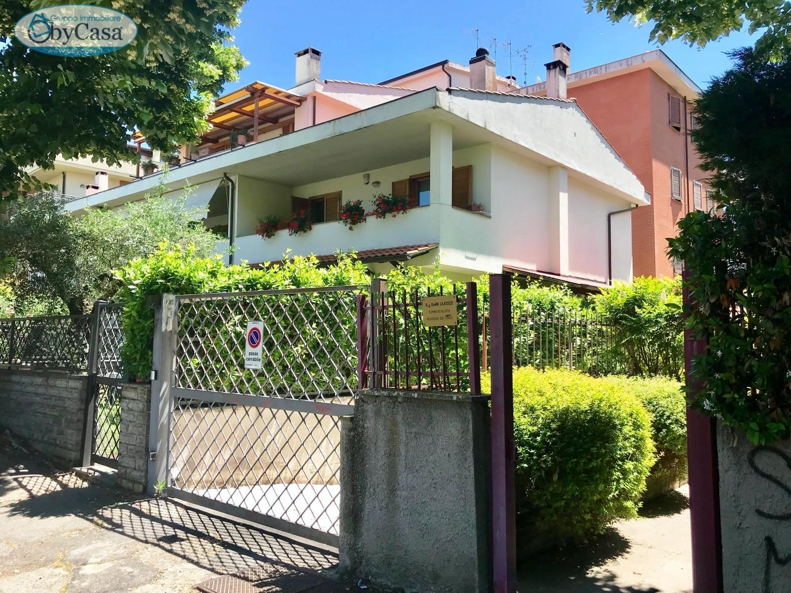 Appartamento in vendita a Viterbo, 3 locali, prezzo € 105.000 | CambioCasa.it