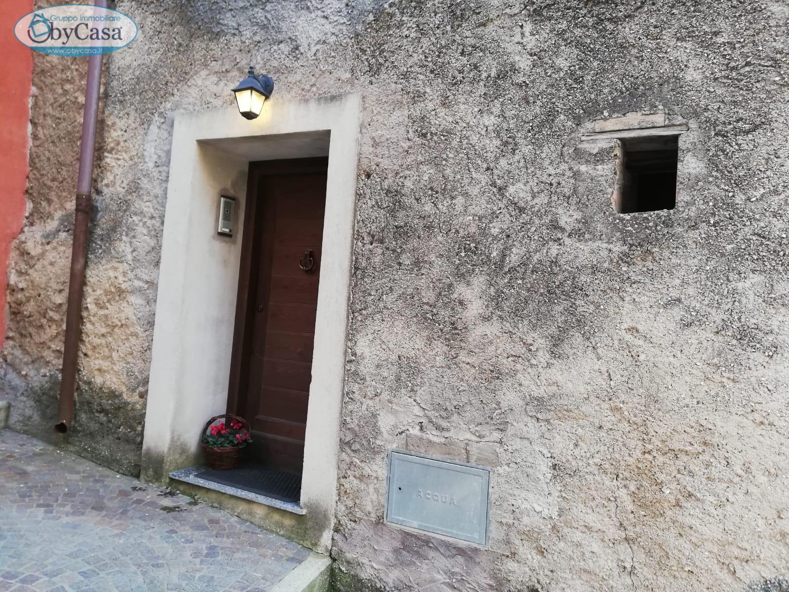 Palazzo / Stabile in affitto a Arcinazzo Romano, 5 locali, prezzo € 300   CambioCasa.it