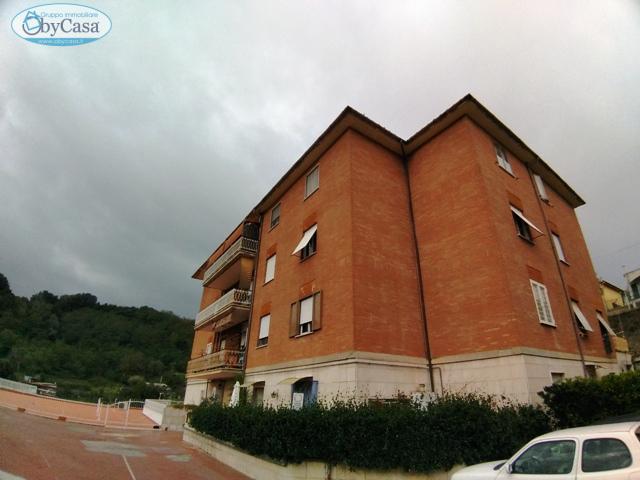 Appartamento in vendita a Bracciano, 3 locali, zona Zona: Centro, prezzo € 119.000 | CambioCasa.it