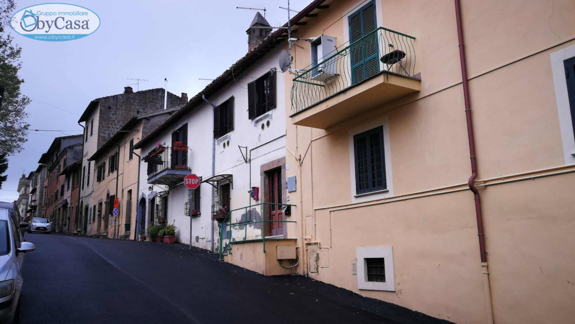 Appartamento in vendita a Manziana, 3 locali, zona Località: centro1, prezzo € 83.000 | CambioCasa.it