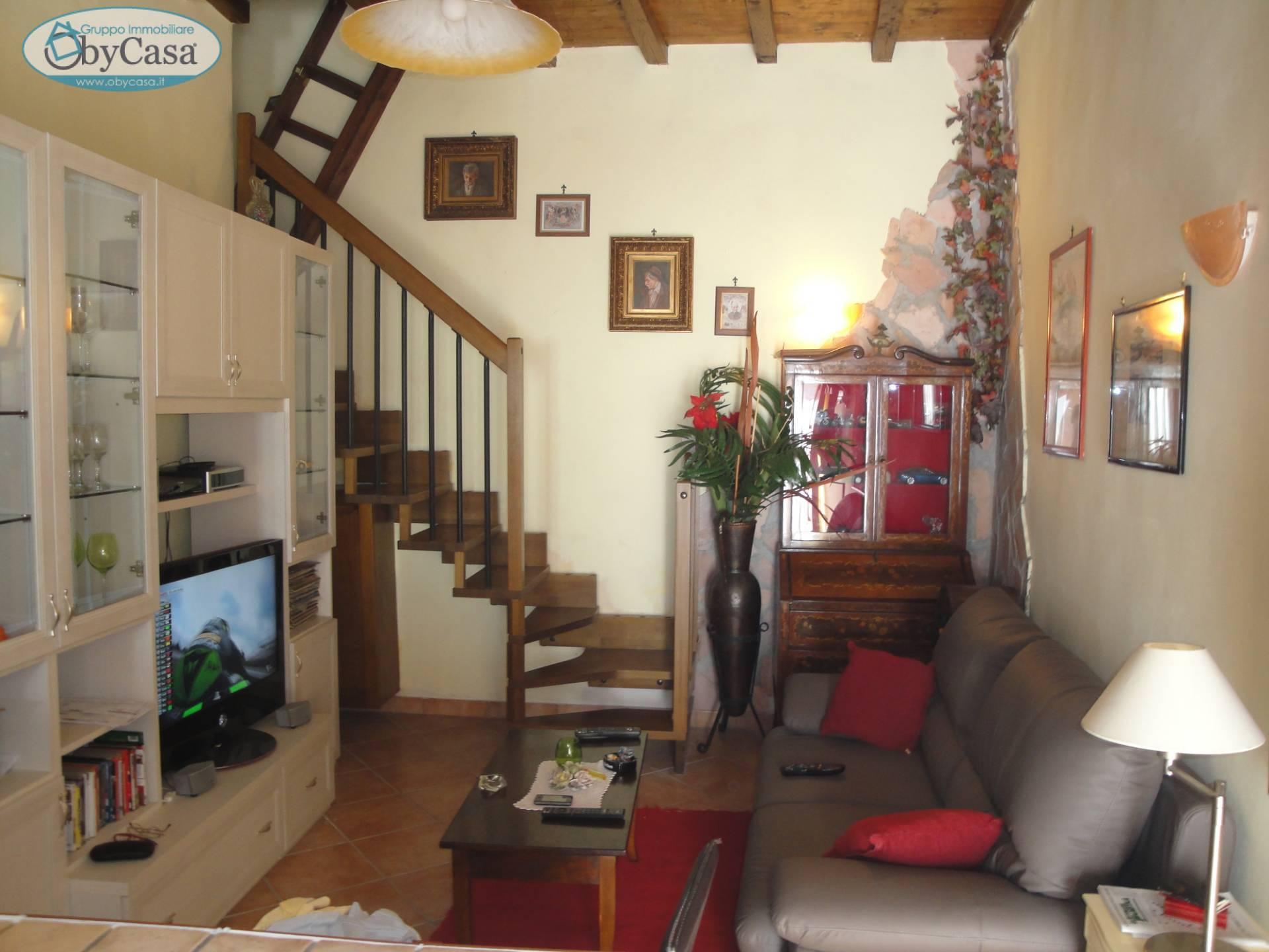 Soluzione Semindipendente in vendita a Bassano Romano, 3 locali, zona Località: bassanoromano, prezzo € 27.000 | CambioCasa.it