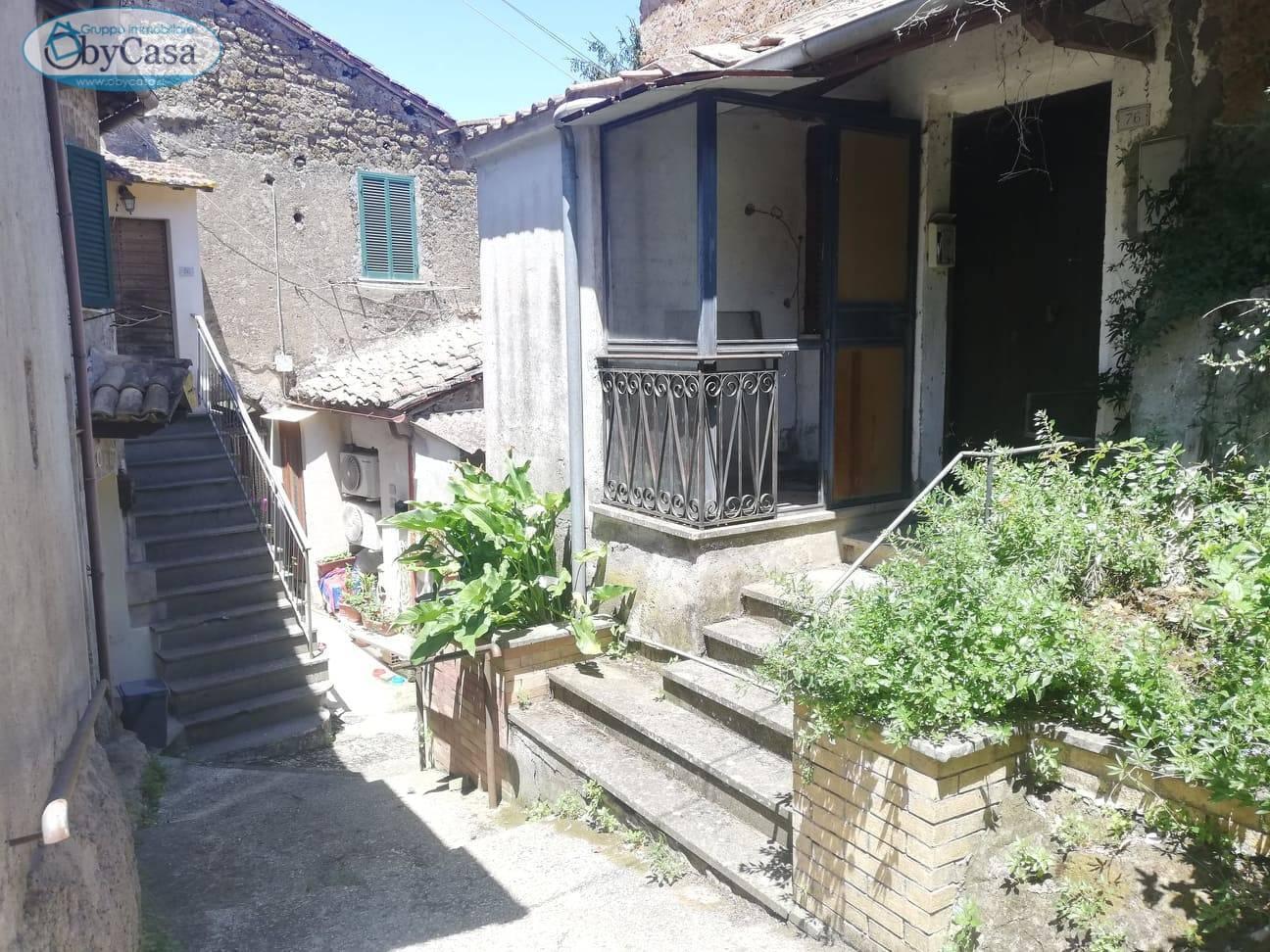 Soluzione Indipendente in vendita a Bassano Romano, 3 locali, zona Località: bassanoromano, prezzo € 35.000 | CambioCasa.it