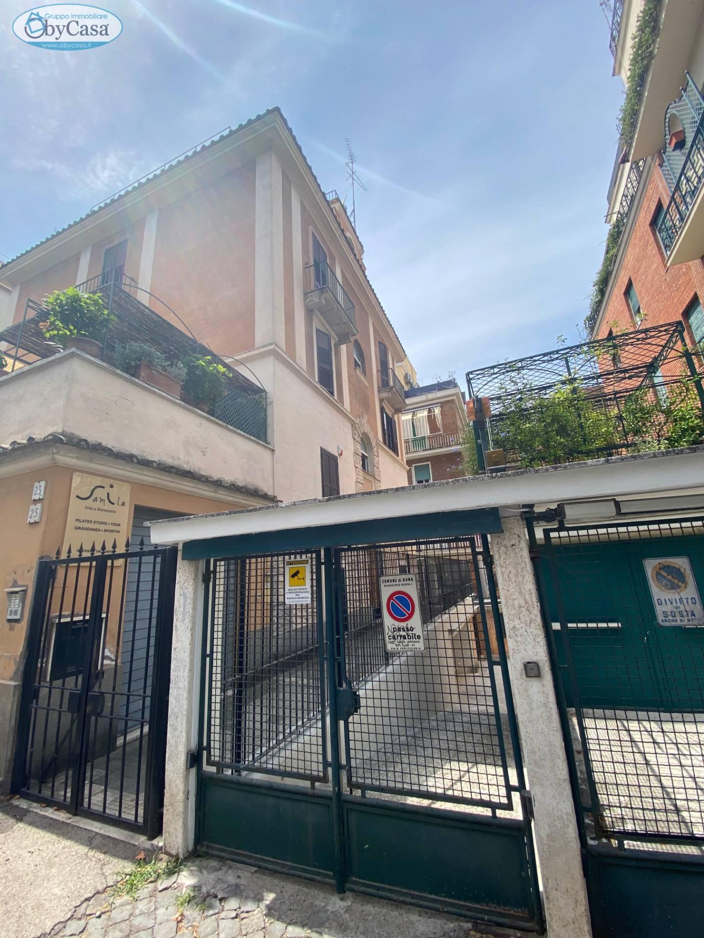 Attico / Mansarda in vendita a Roma, 5 locali, zona Zona: 17 . Aventino, San Saba , Piramide, prezzo € 1.390.000 | CambioCasa.it