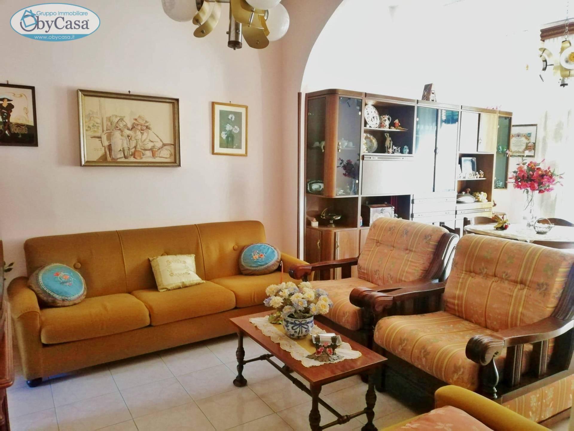 Soluzione Indipendente in vendita a Bassano Romano, 4 locali, zona Località: bassanoromano, prezzo € 49.000   CambioCasa.it