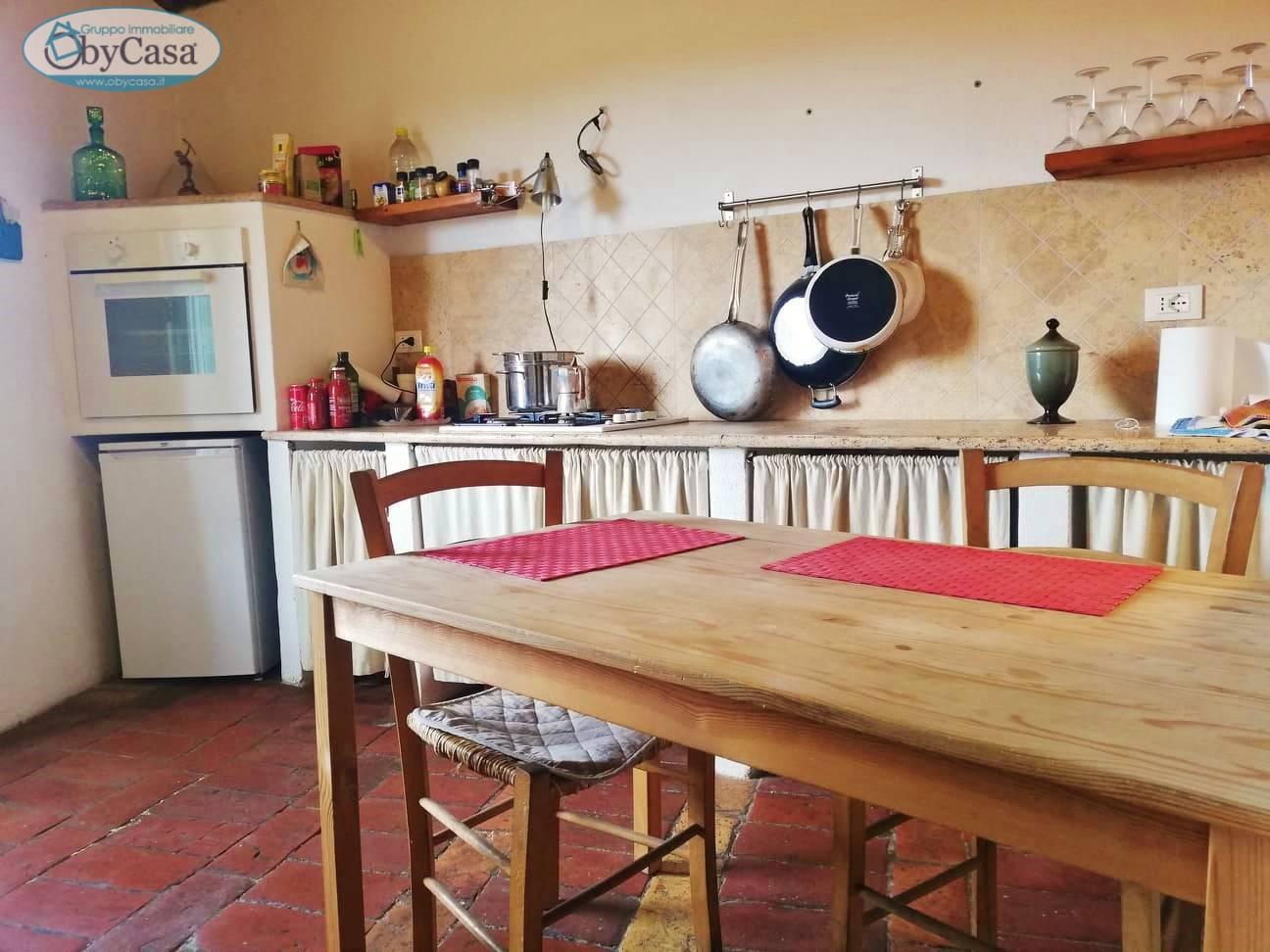 Soluzione Indipendente in vendita a Bassano Romano, 3 locali, zona Località: bassanoromano, prezzo € 28.000   CambioCasa.it