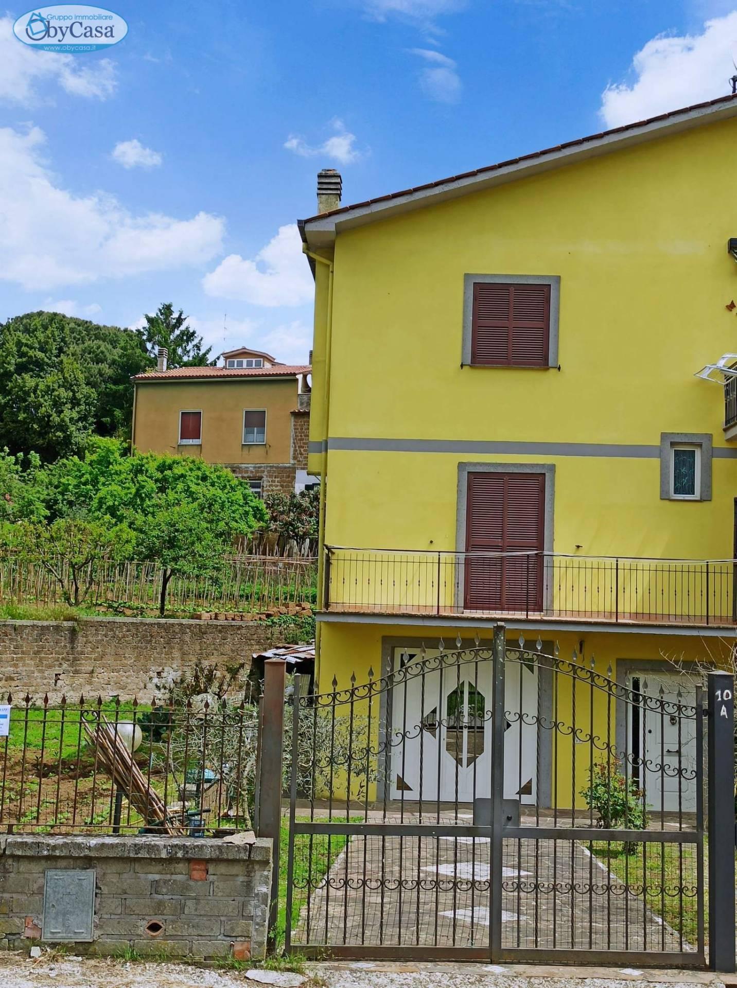 Villa in vendita a Bassano Romano, 6 locali, zona Località: bassanoromano, prezzo € 177.000   CambioCasa.it
