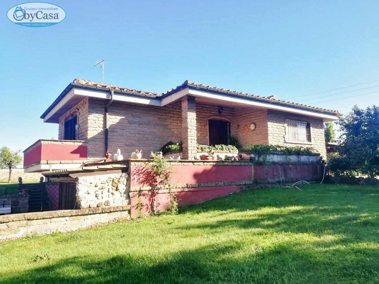 Villa in vendita a Canale Monterano, 7 locali, zona Località: canalemonterano, prezzo € 320.000 | CambioCasa.it