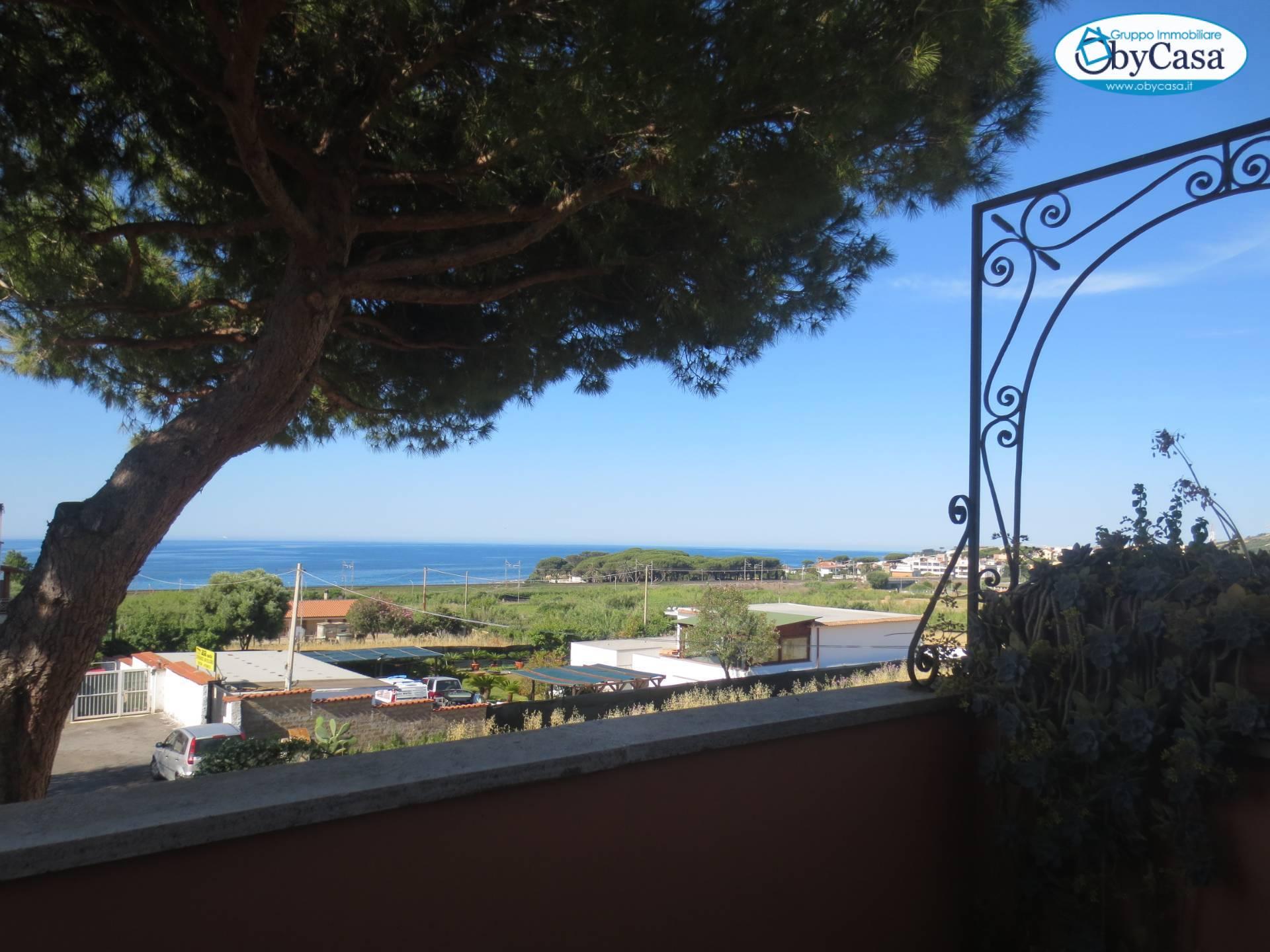 Appartamento in vendita a Santa Marinella, 4 locali, zona Località: Quartaccia, prezzo € 129.000 | PortaleAgenzieImmobiliari.it