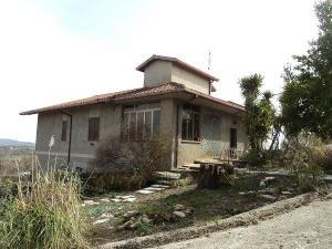Casa di Campagna in Vendita a Vejano