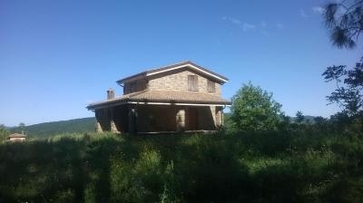 Casale in Vendita a Canale Monterano