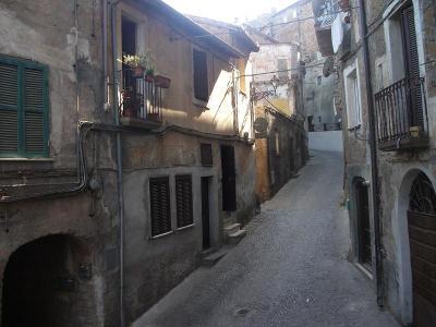 Locale commerciale in Vendita a Bassano Romano