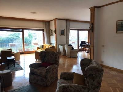 Appartamento 5 locali in Vendita a Roma