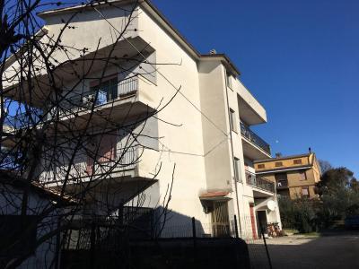 Appartamento 5 locali in Affitto a Bassano Romano