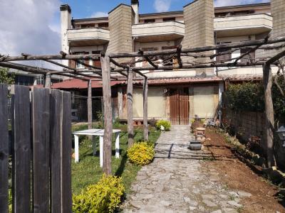 Villette a schiera in Vendita a Oriolo Romano