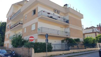 Appartamento 4 locali in Vendita a Bassano Romano