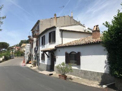 Casa Indipendente in Vendita a Bolsena