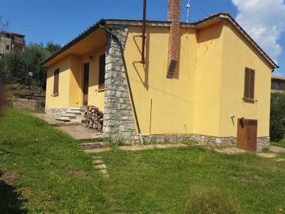 Casa Indipendente in Vendita a Sorano