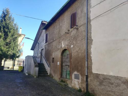 Cantina / Magazzino in Affitto a Oriolo Romano