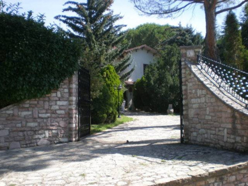 Villa in Vendita a Cascia