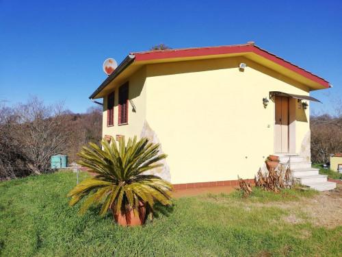 Casa di Campagna in Vendita a Bassano Romano