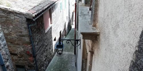 Appartamento in Vendita a Baschi