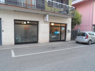 Vai alla scheda: Laboratorio   Vendita San Benedetto del Tronto