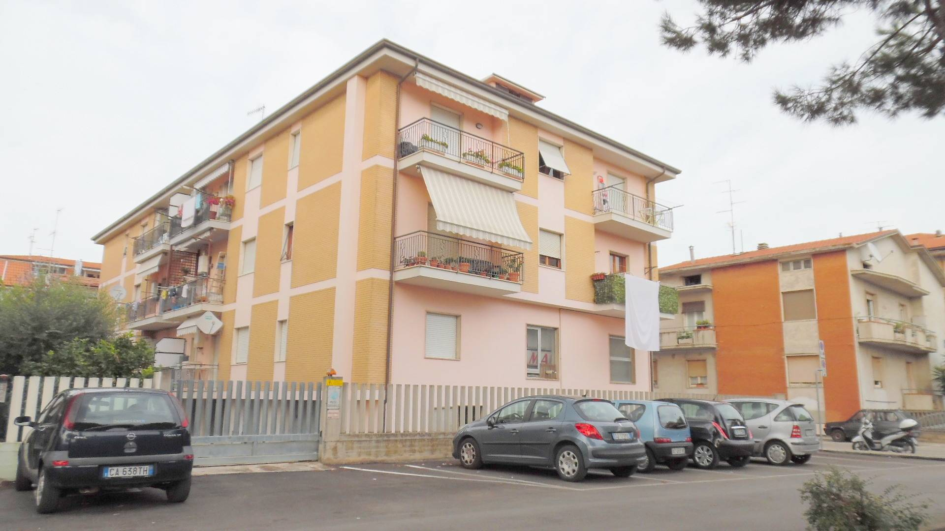 vendita appartamento san benedetto del tronto porto d'ascoli  130000 euro  3 locali  100 mq