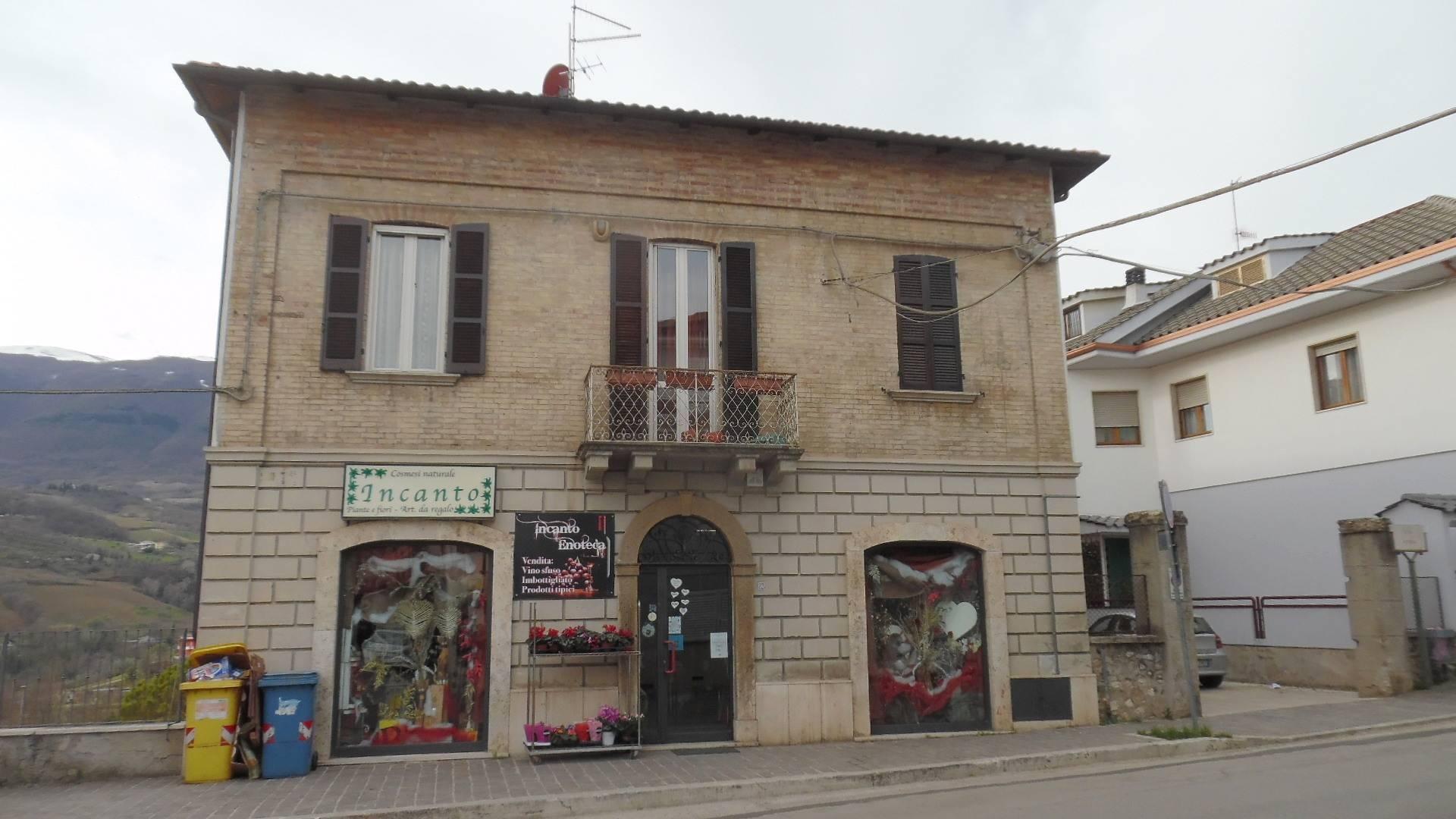 Negozio / Locale in vendita a Folignano, 9999 locali, prezzo € 105.000 | CambioCasa.it