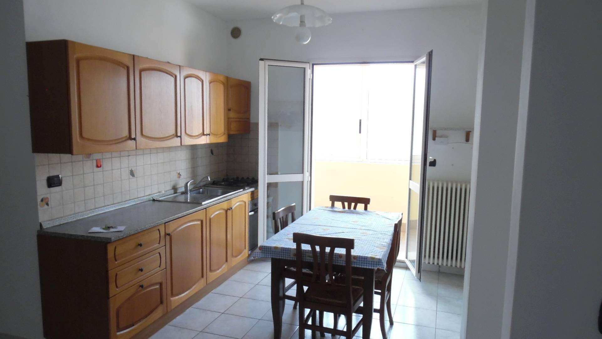 vendita appartamento san benedetto del tronto porto d'ascoli  130000 euro  3 locali  75 mq