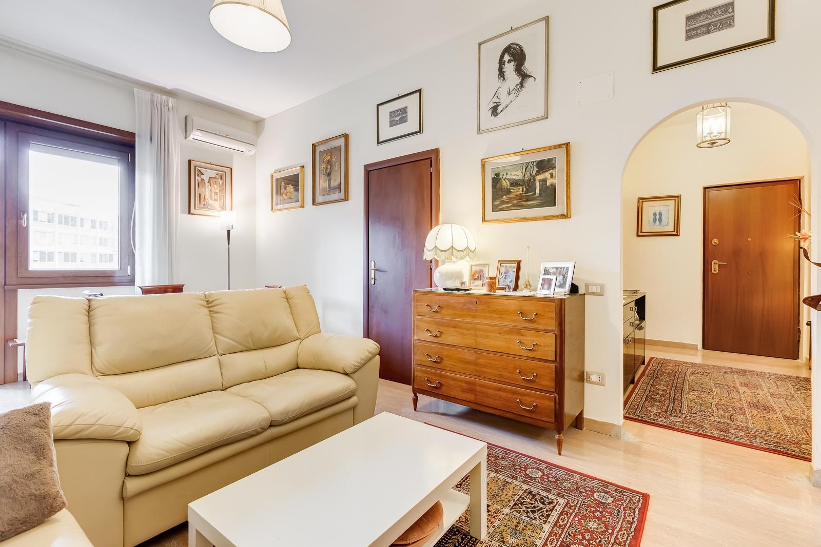 vendita appartamento roma s.giovanni  490000 euro  3 locali  100 mq