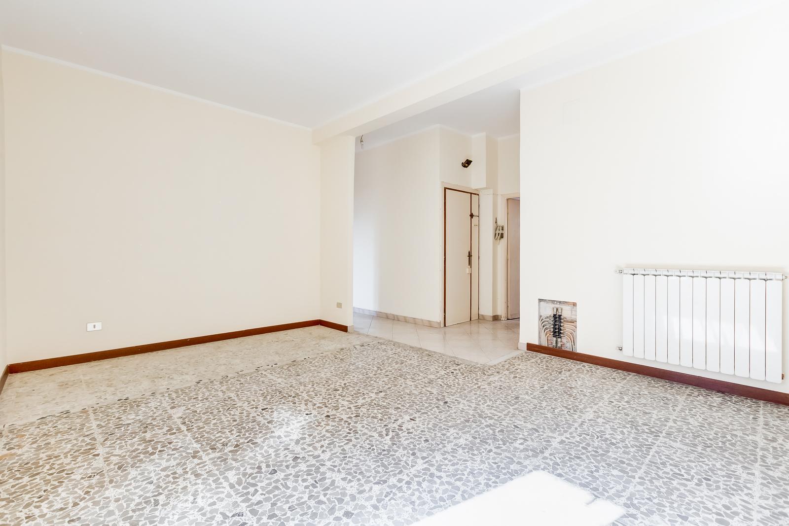 vendita appartamento roma lunghezza  155000 euro  3 locali  110 mq
