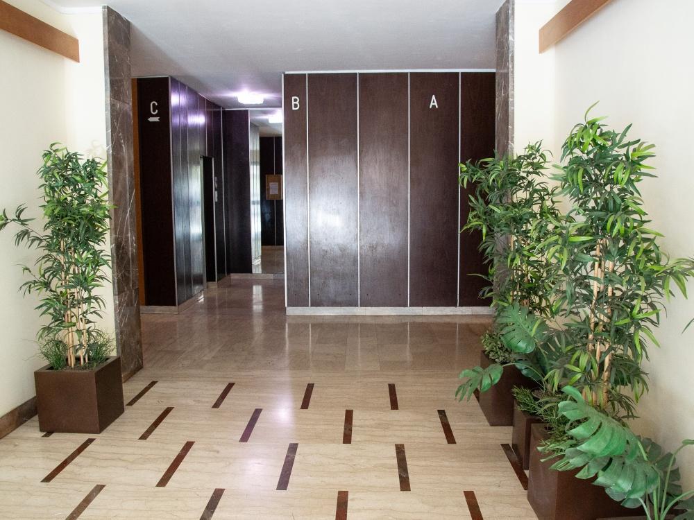 Vendita appartamento mq 150 via alessio baldovinetti for Immagini di appartamenti ristrutturati