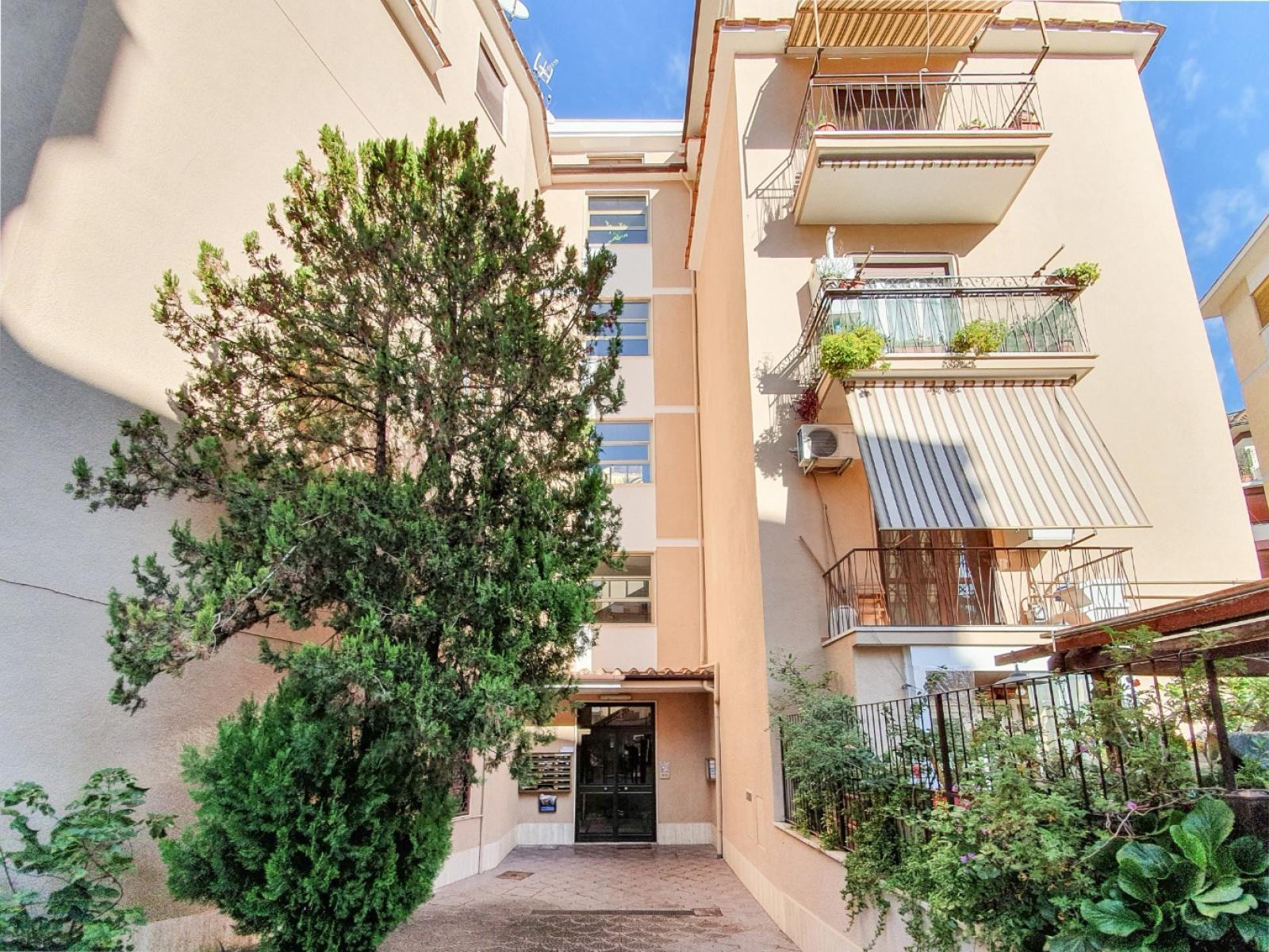 1118416320 Bilocale in Via Alfredo Giovanni Cesareo, Roma, Zona Talenti