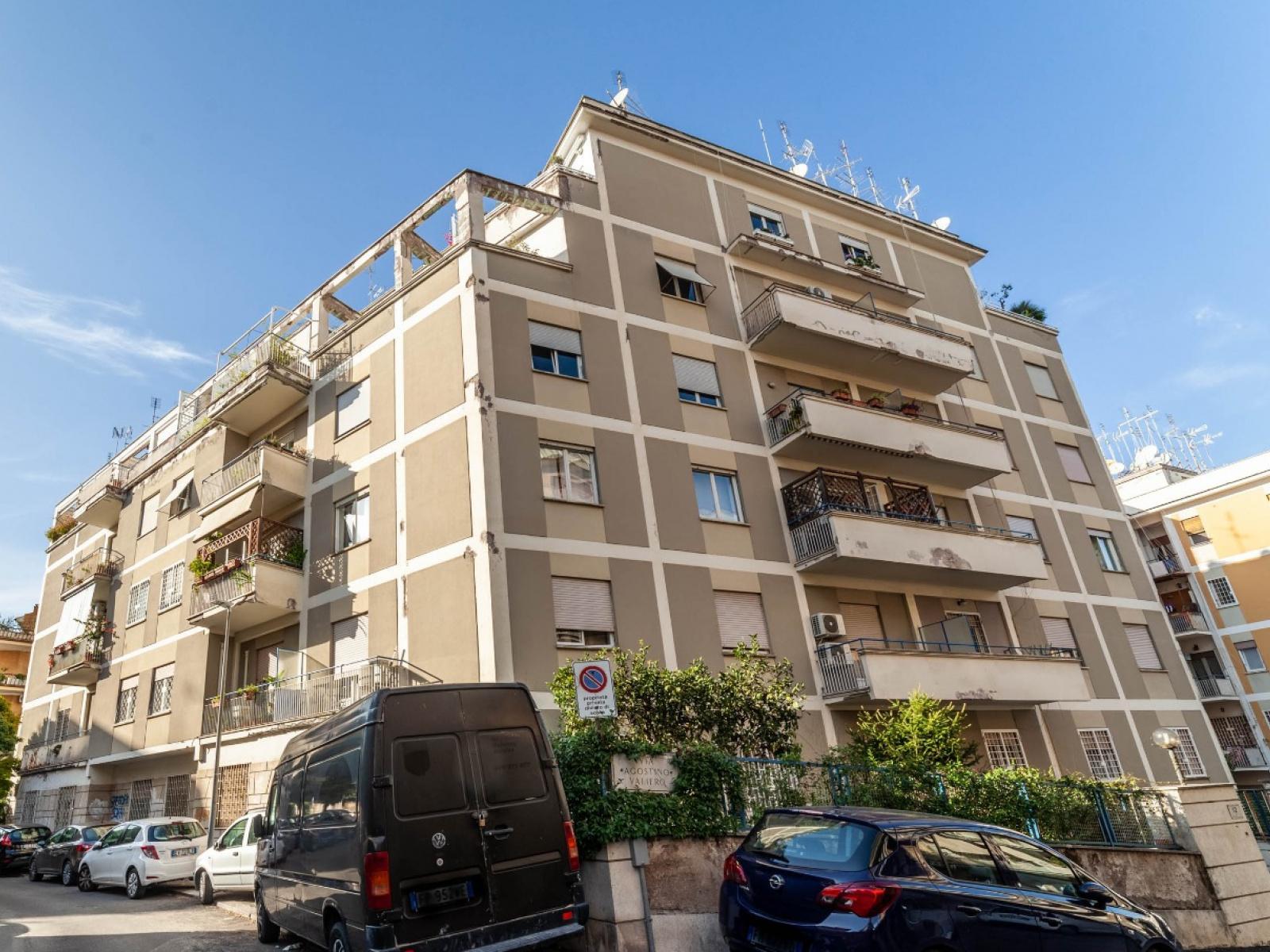 1118416942 Pentalocale in Via Agostino Valiero, Roma, Zona Gregorio VII
