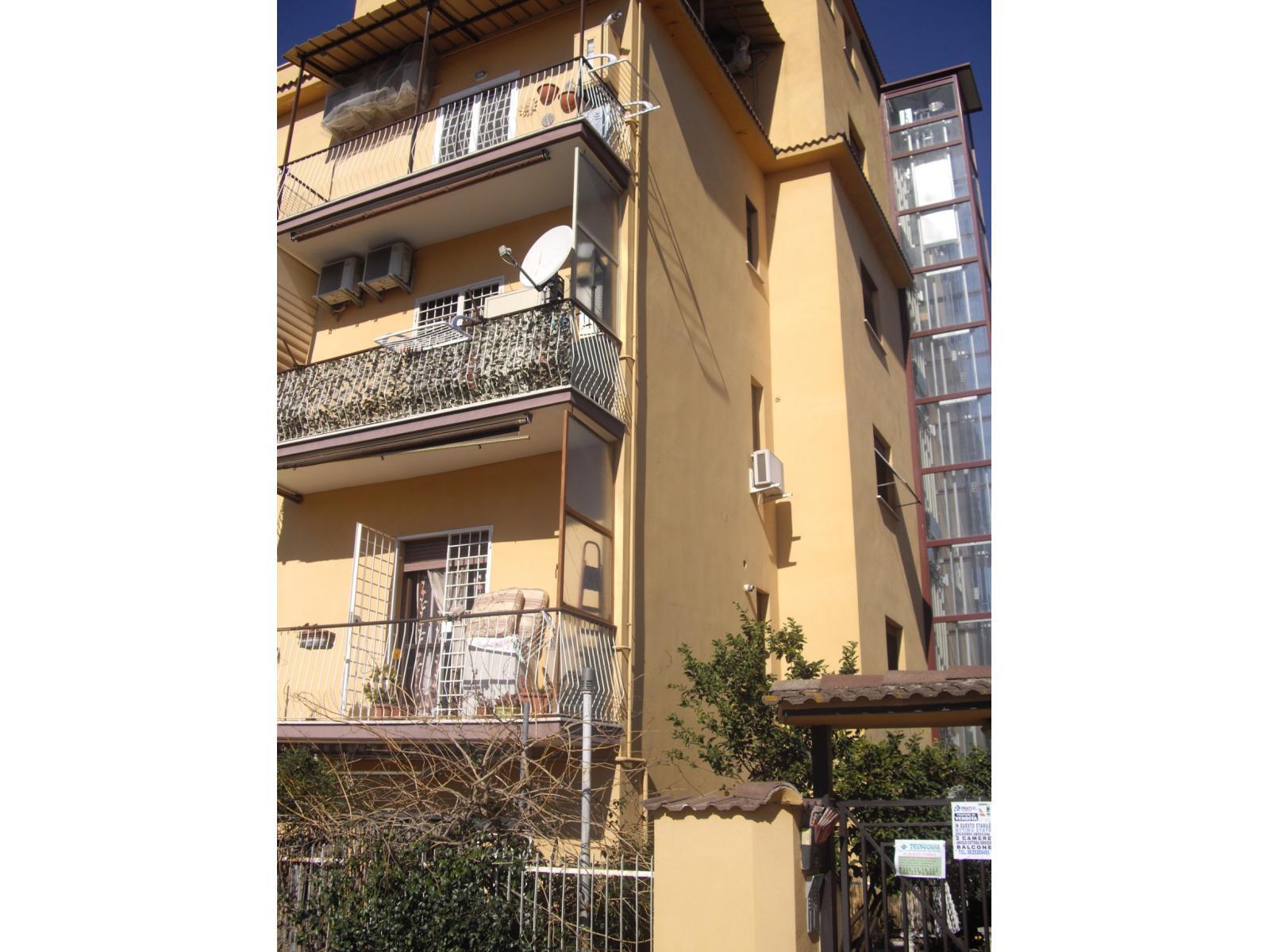 1118416987 Trilocale in Via Salcito, Roma, Zona la Rustica