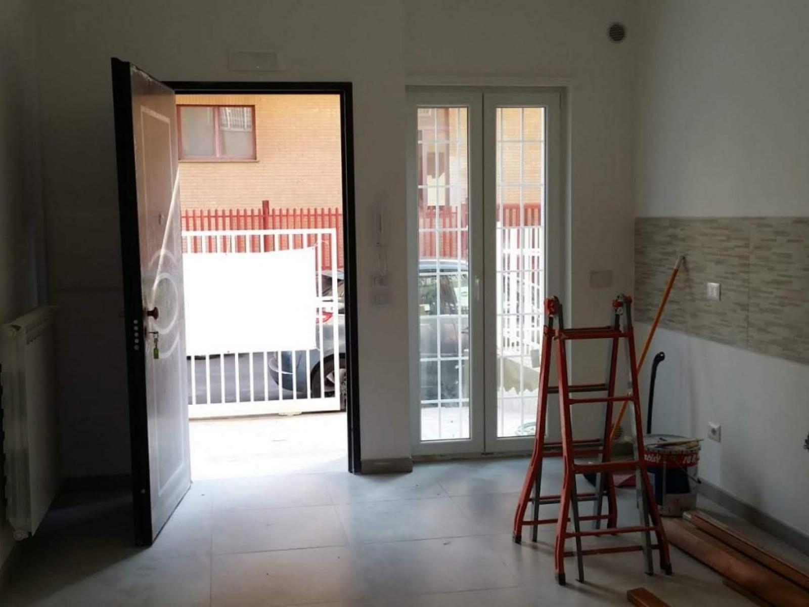 1118417010 Trilocale in Via Atlante, Roma, Zona Torre Angela