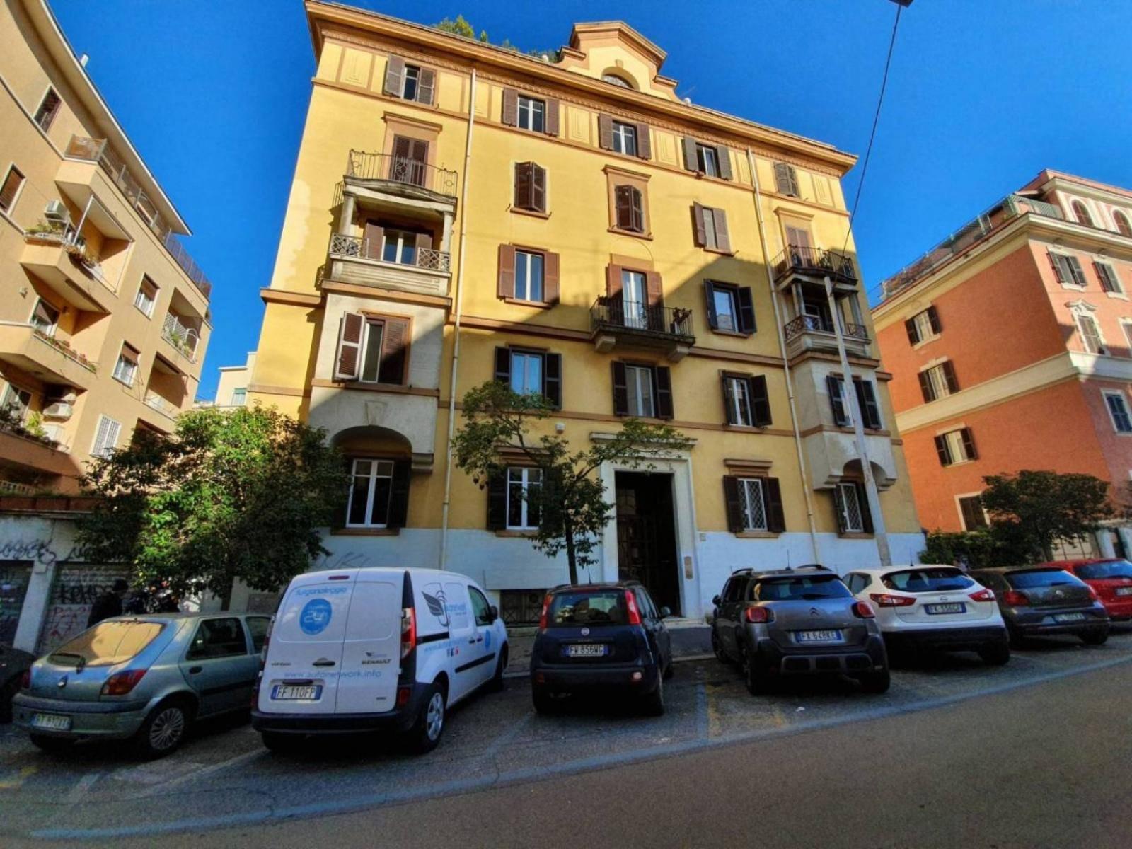 1118417115 Trilocale in Via Crati, Roma, Zona Trieste