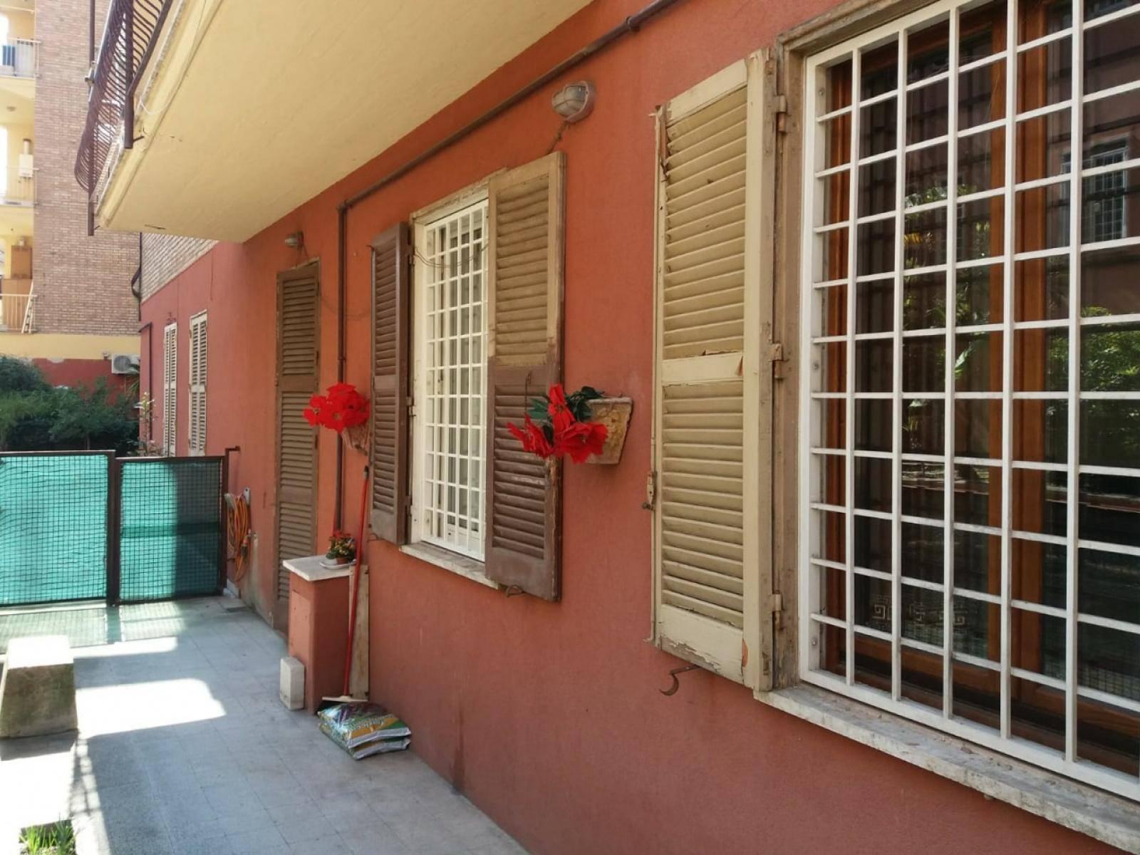 1118417281 Trilocale in Via Dei Furi, Roma, Zona Quadraro, Porta Furba