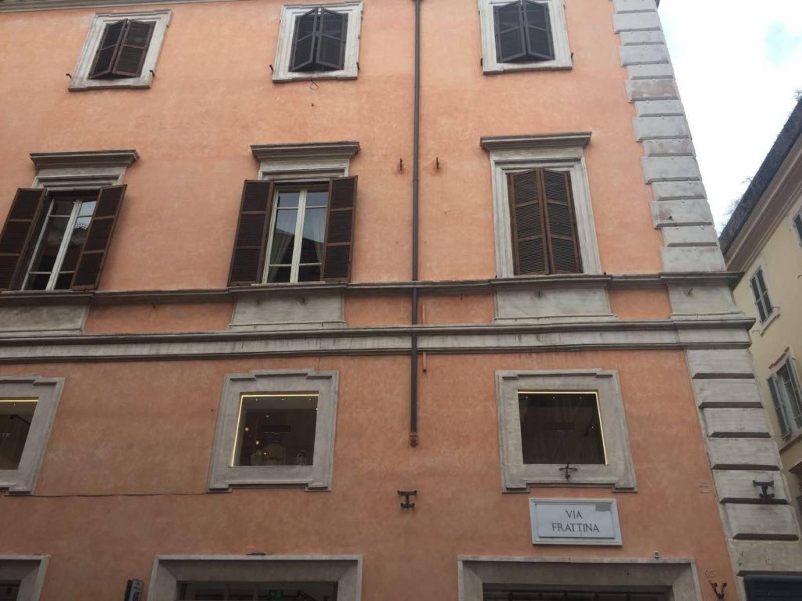 1118417284 Quadrilocale in Via Frattina, Roma, Zona Centro Storico