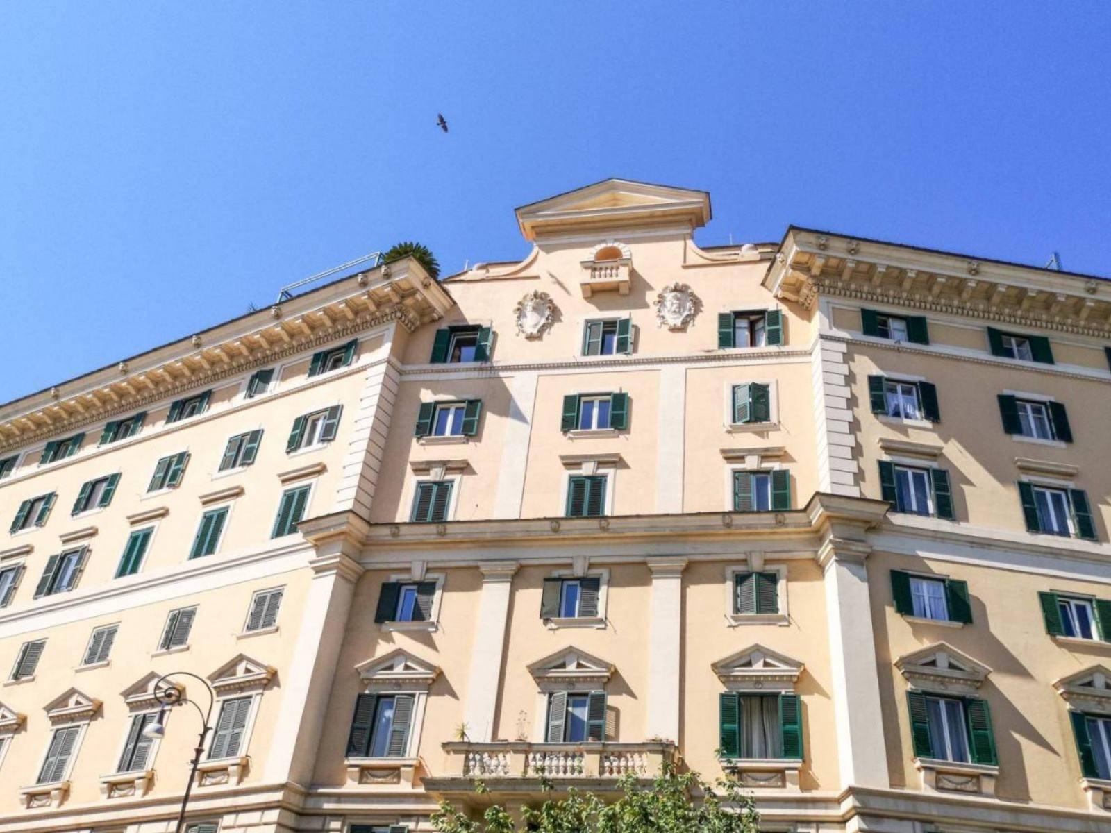 1118417570 Quadrilocale in Largo Bernardino Da Feltre, Roma, Zona Trastevere