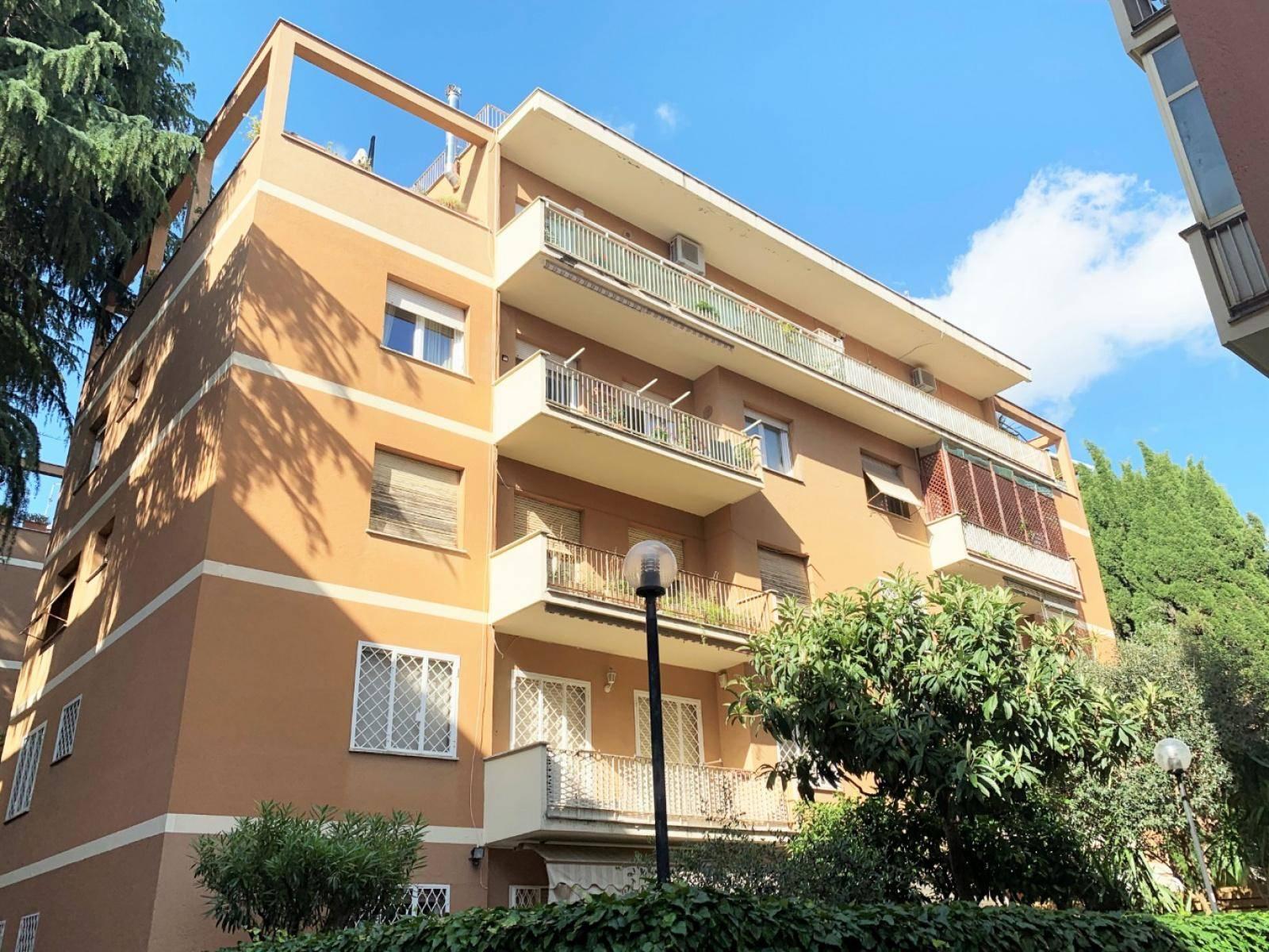 1118417543 Pentalocale in Via Licinio Calvo, Roma, Zona Balduina