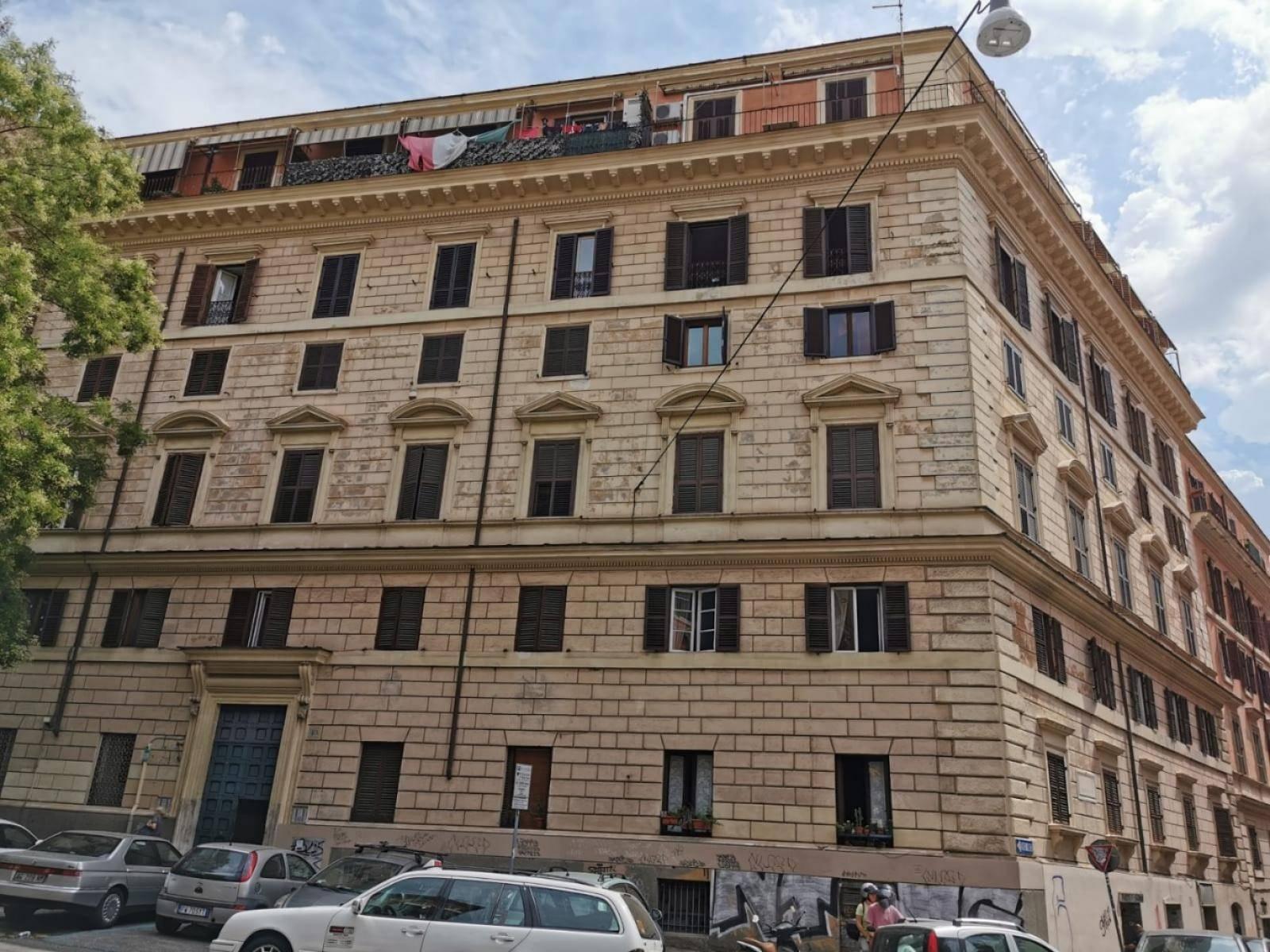 1118417653 Trilocale in Via Goffredo Mameli, Roma, Zona Trastevere