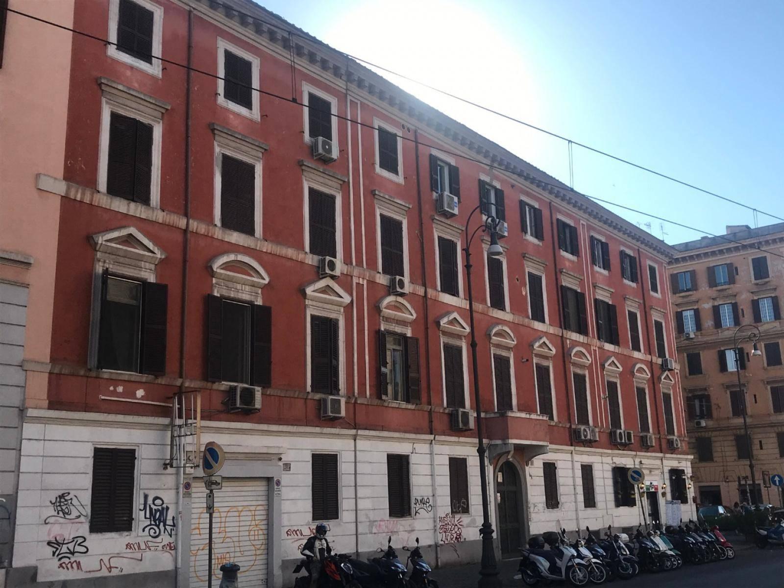 1118417849 Trilocale in Via Giovanni Giolitti, Roma, Zona Esquilino