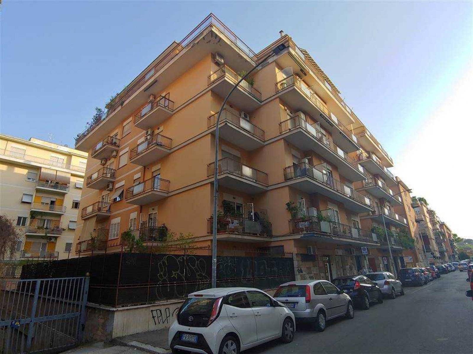 1118417941 Pentalocale in Via Val Maira, Roma, Zona Montesacro