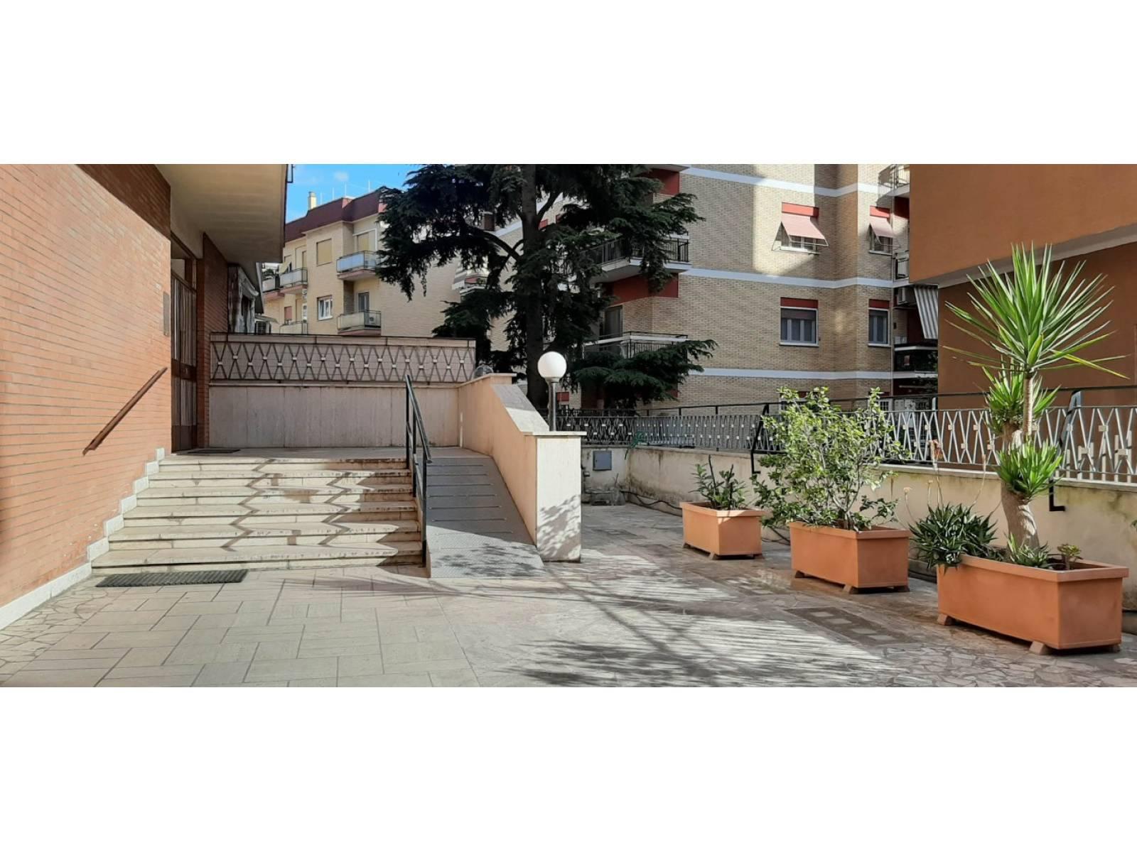 1118417961 Trilocale in Via Adolfo Albertazzi, Roma, Zona Talenti