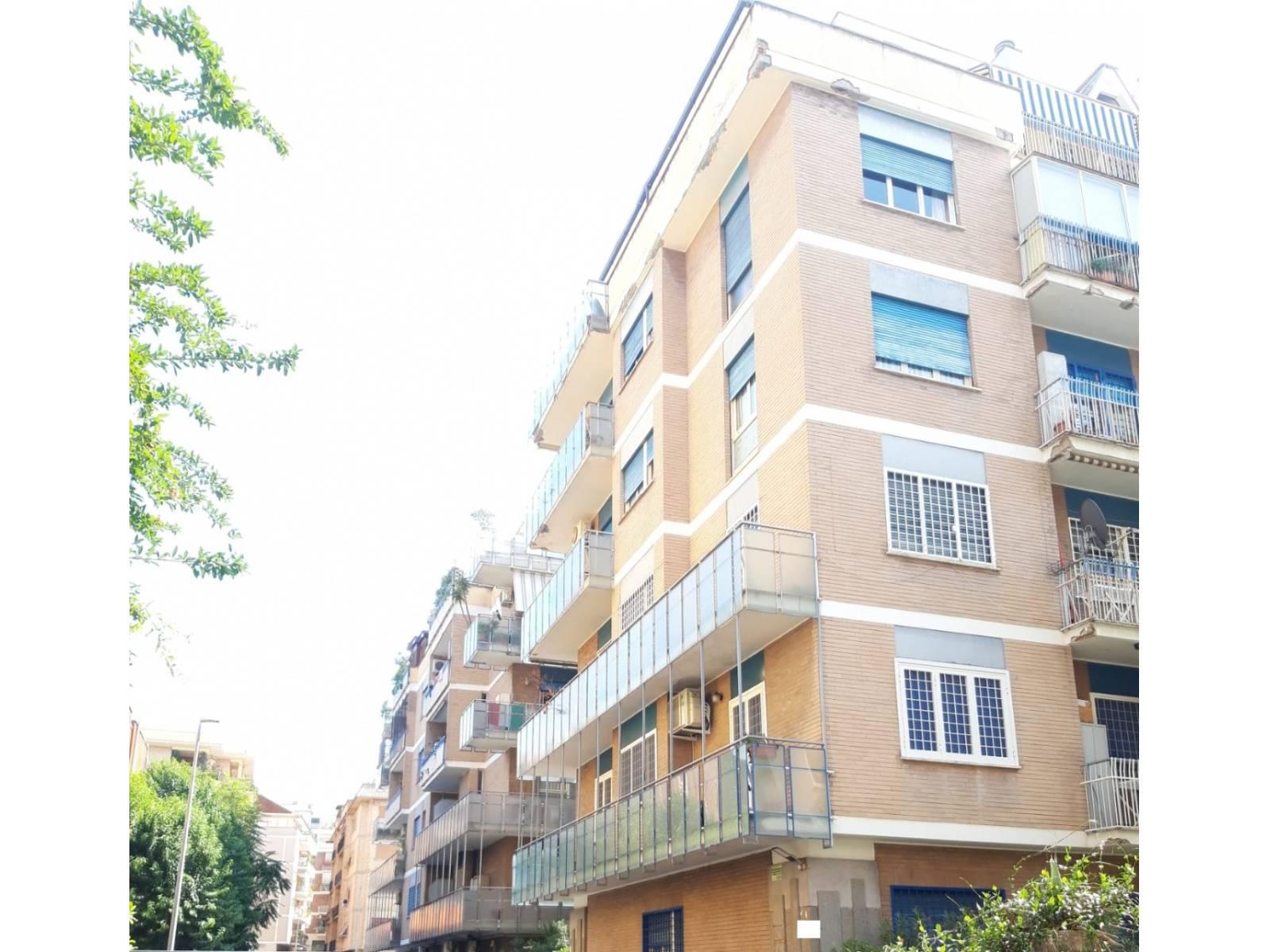 1118418077 Quadrilocale in Via Pizzo Bernina, Roma, Zona Montesacro