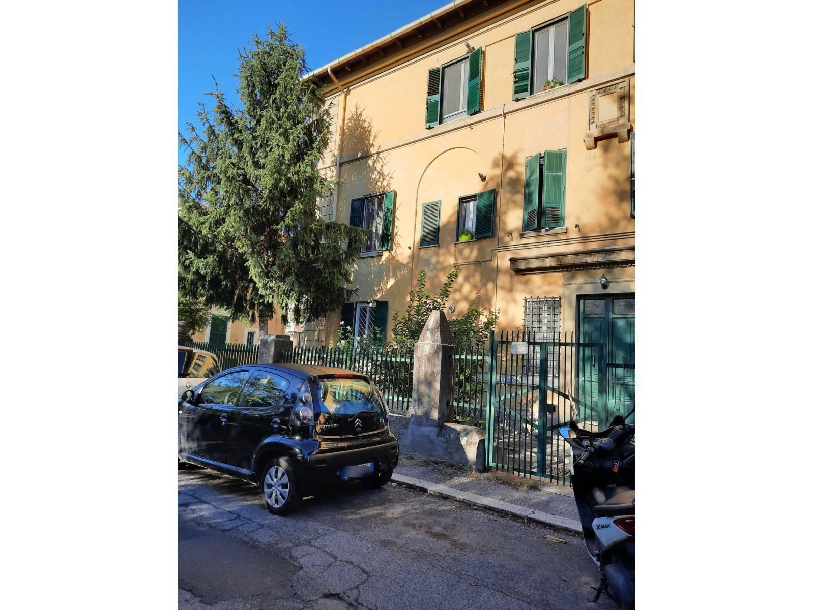 1118418105 Trilocale in Via Isola Bella, Roma, Zona Montesacro