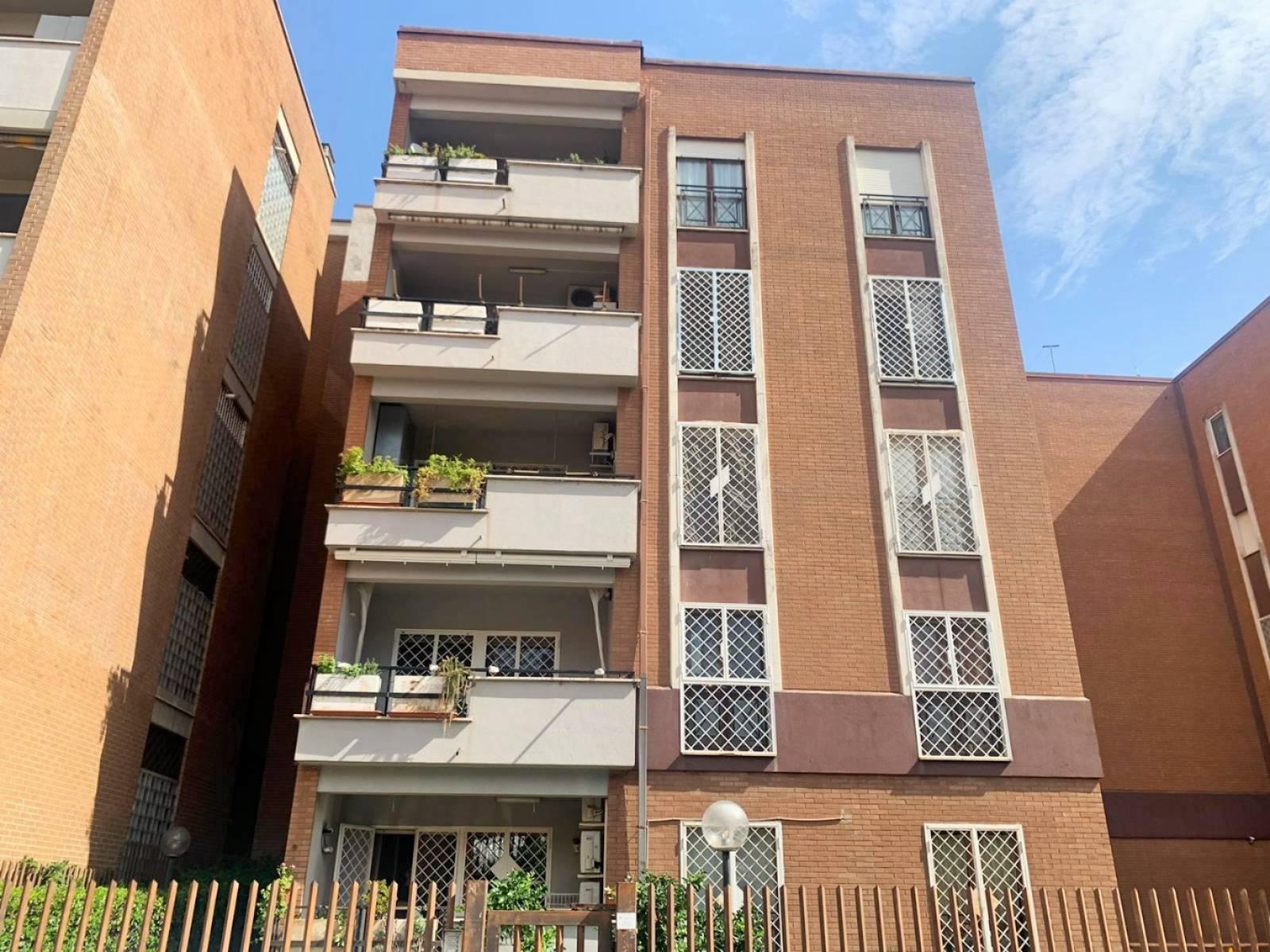1118418109 Quadrilocale in Largo Giuseppe Minganti, Roma, Zona Casal De Pazzi