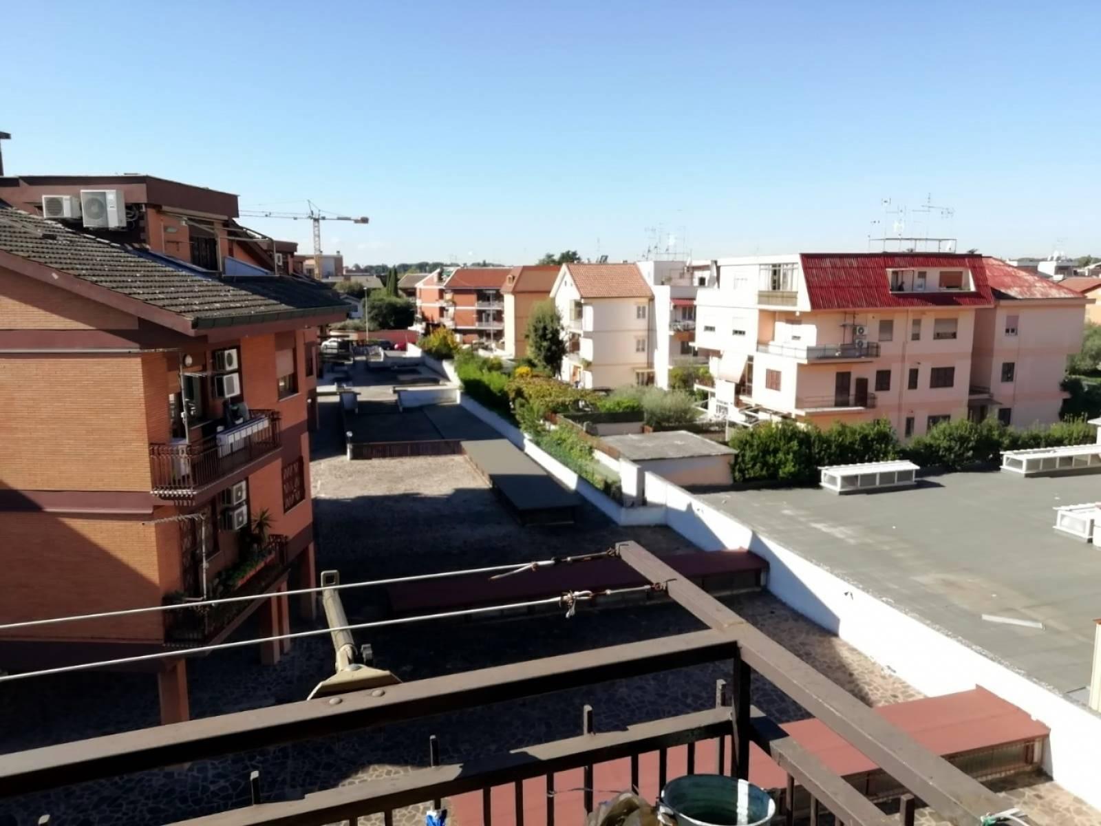 1118418217 Trilocale in Via Taurianova, Roma, Zona Capannelle
